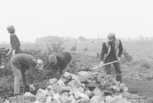 HelferInnen beim Wiederaufbau der Seefelder Muehle