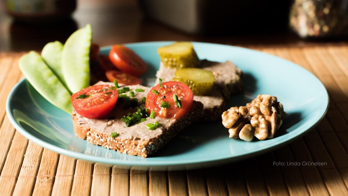 Rezept für veganen Aufstrich nach Art einer Landleberwurst | Gutes Essen selbst gemacht#1